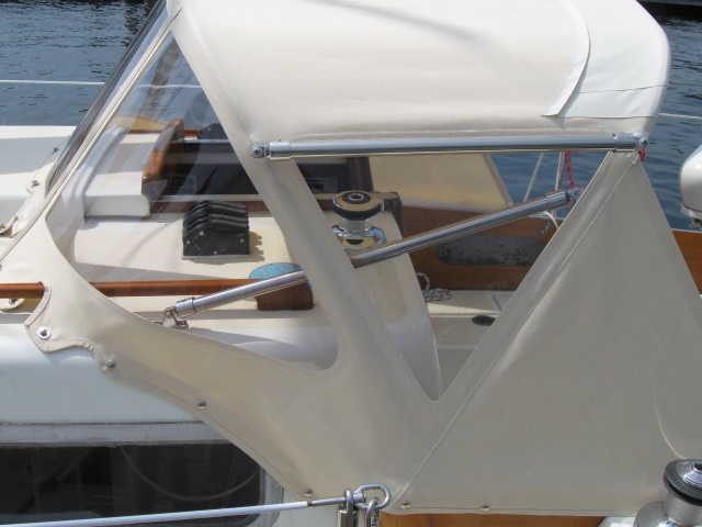 Gemini Marine Products pusher bars give perfect tensioning every time