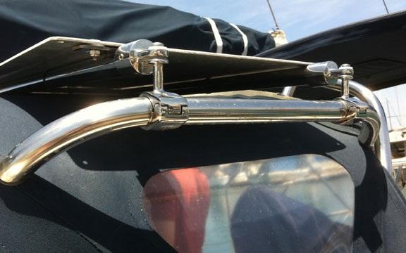 Gemini Marine Products split jaw rail mounts solar panel