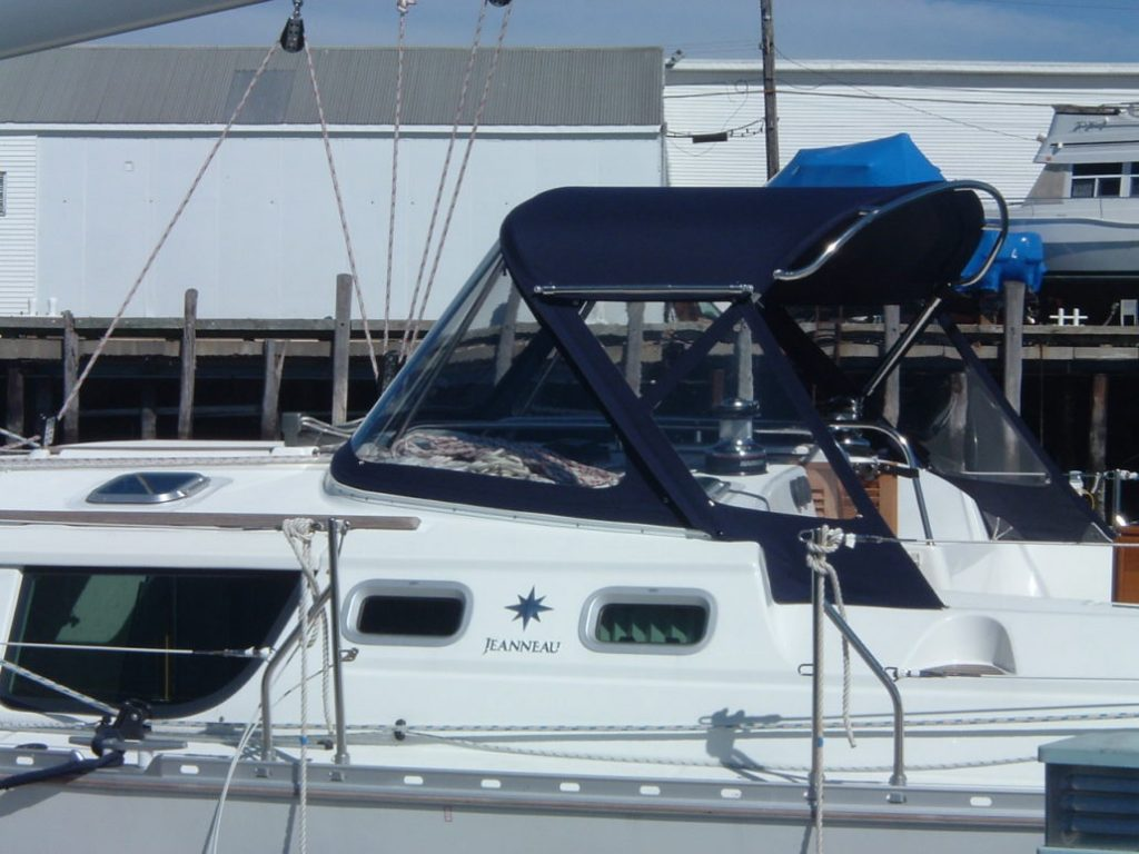 Action ready - Gemini Marine Products power boat grab rails